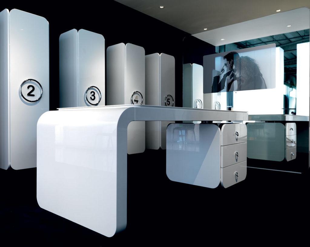 PlanOffice-srl-arredo-mobili-per-ufficio-linea-Win-mobili-direzionali-scrivania-e-contenitore