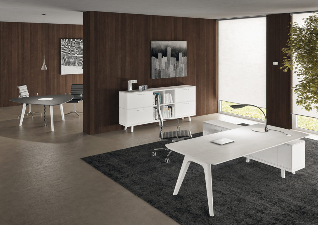scrivanie angolari - mobili-per-ufficio-linea-Beta-mobili-direzionali-scrivania-raffinata-con-cassettiere-in-legno-bianco