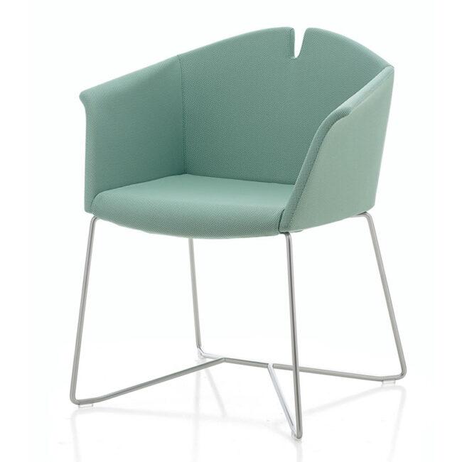 01-Planoffice-Arredo-per-uffici-collezione-BEVERLY-poltrona-waiting-seduta-rivestita-tiffany-confort-EVIDENZA