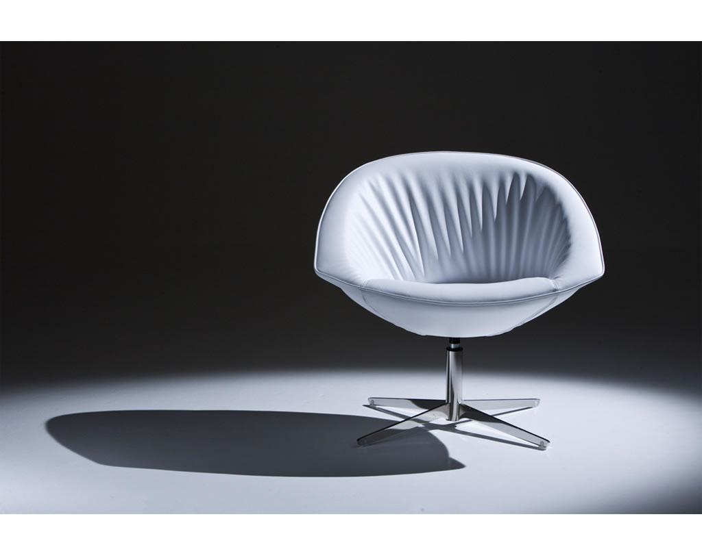 01-Planoffice-Arredo-per-ufficio-collezione-LEXUS-poltrona-sala-daspetto-rivestita-pelle-stile-classico-elegante-EVIDENZA