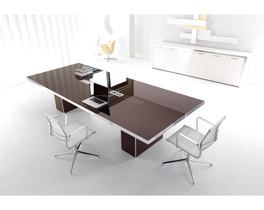 arredo-mobili-per-ufficio-linea-Alfa-Lux-tavoli-riunione-tavolo-per-assemblea-in-vetro-marrone