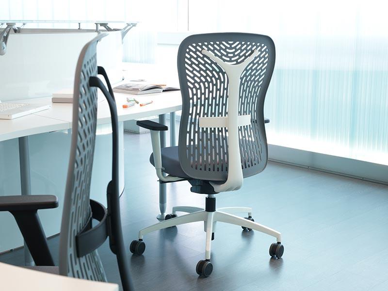 Planoffice-Arredo-per-uffici-linea-POSITANO-poltrona-rigida-da-ufficio-schienale-traspirante-ergonomico