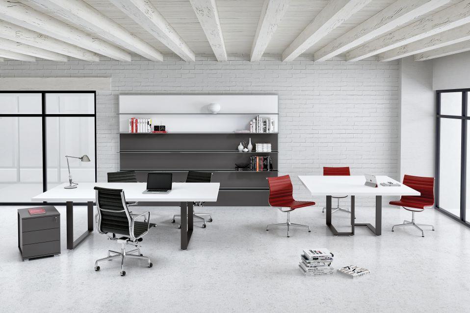 Planoffice-Arredo-per-ufficio-linea-Fashion-ampia-scrivania-moderna-bianca-lucida-sedia-da-ufficio-libreria-bicolore-moderna