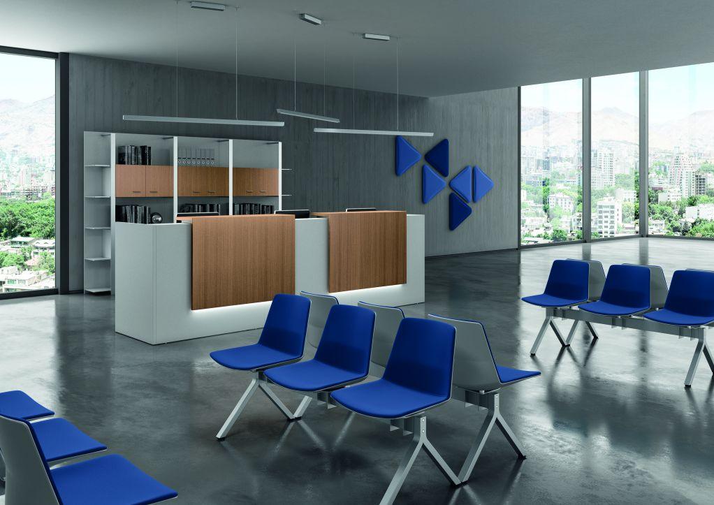 Planoffice-Arredo-per-ufficio-collezione-RIVA-sedie-sala-dattesa-rivestimento-blu-sostegno-metallo-no-braccioli