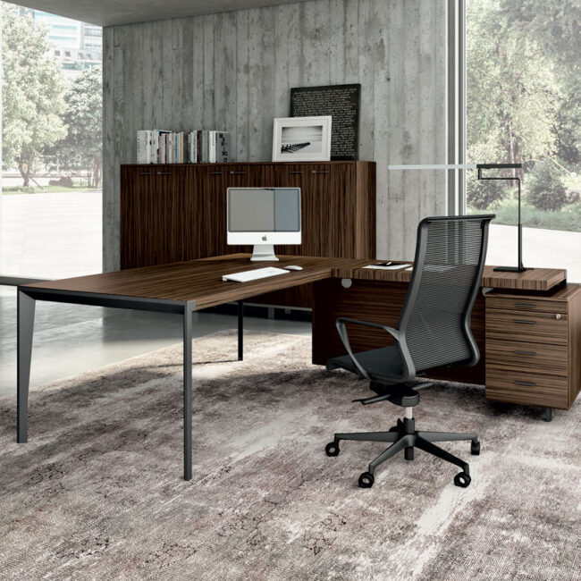 Boston-sedia-per-ufficio-seduta-executive-direzionale--in-tela-semitrasparente-nera
