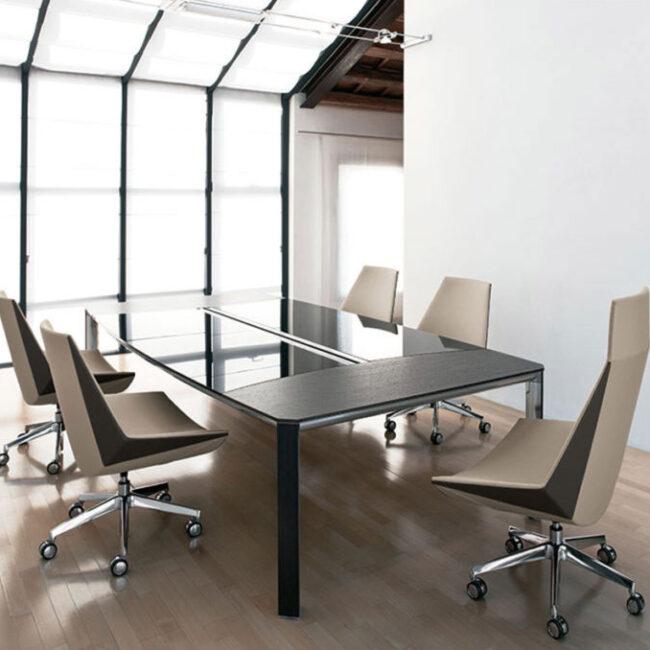 Made-tavoli-riunione-tavolo-per-riunione-legno-e-vetro-nero