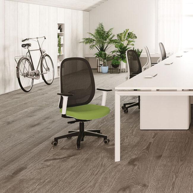 SPAZIO-sedia-operativa-schienale-rigido-traspirante-seduta-verde