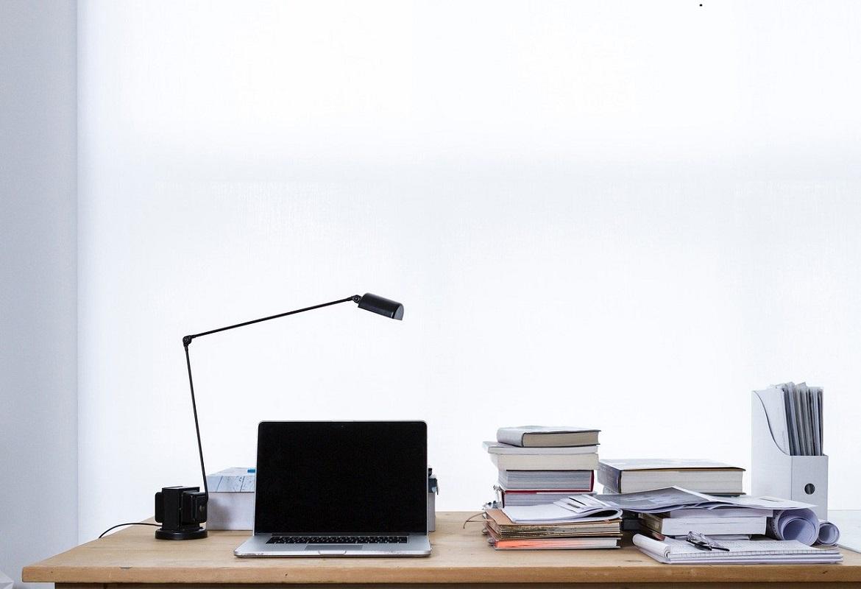 Scegliere gli arredi per ufficio non è un'impresa facile. Infatti, ci sono numerosi dettagli da non sottovalutare e persino alcuni sbagli da non commettere.