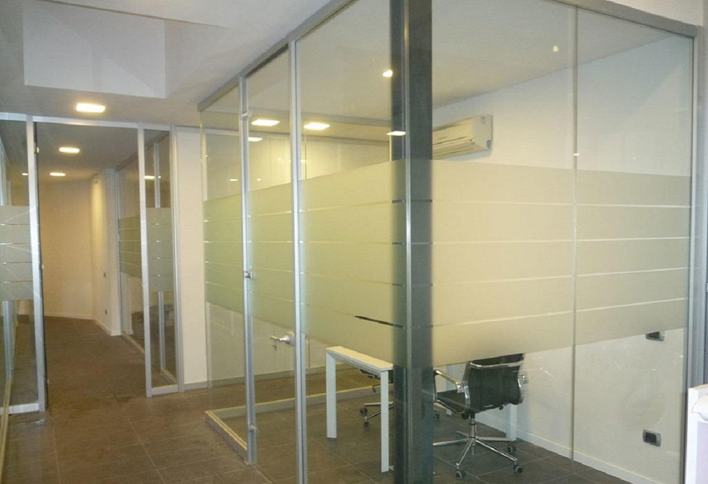 parete in vetro per ufficio Plan con vetrofania opaca
